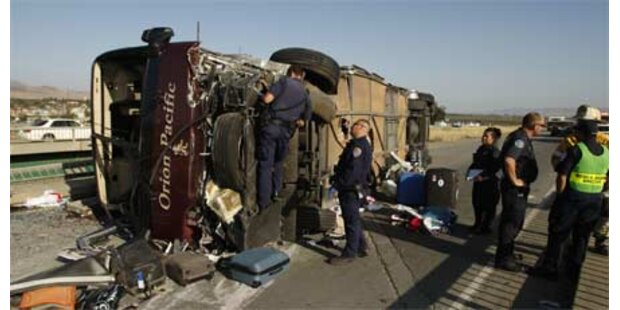 Fünf Tote bei Busunfall in Kalifornien