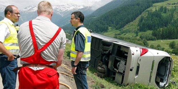 Zwei Tote bei Busunfall in der Schweiz
