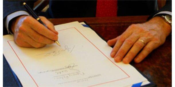 Bush unterzeichnete Gesetz für Wall-Street-Rettung
