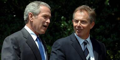 US-Präsident George W. Bush und der britische Premier Tony Blair. (c) EPA