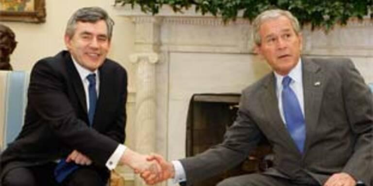 Gordon Brown zu Besuch bei George Bush