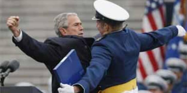 "Bush übt den ""Doppel-Whopper"""""