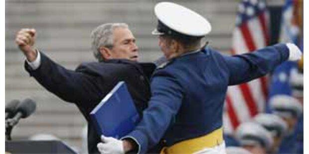 Bush übt den