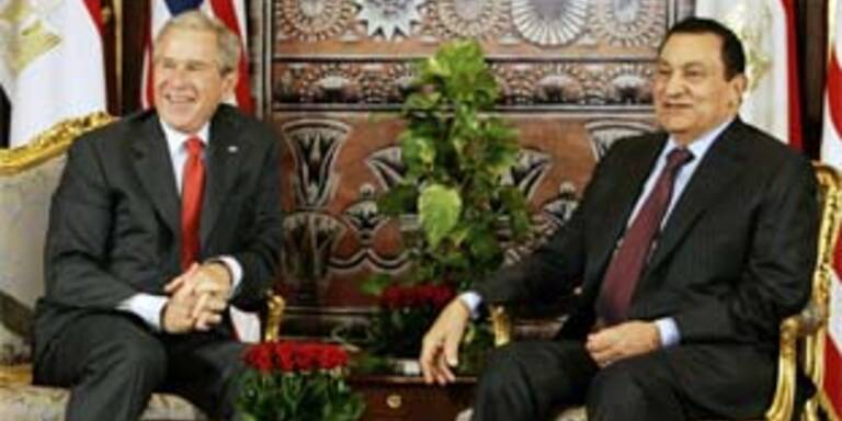 George W. Bush (L) und Hosni Mubarak