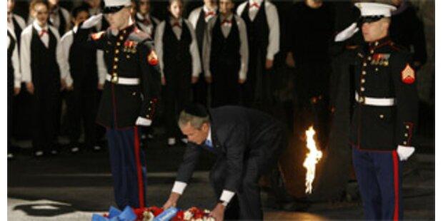 Bush besucht Holocaust-Gedenkstätte