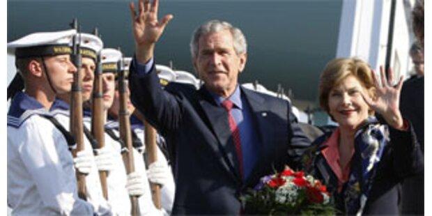 Bush bedauert seine Kriegsrhetorik