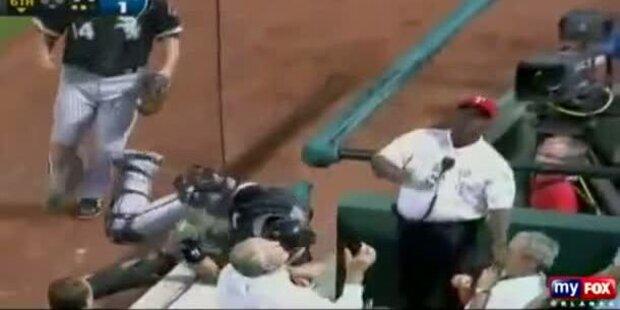 George Bush fast von Baseball getroffen