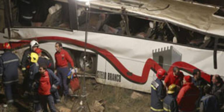 Busunglück in Portugal - 15 Tote und 23 Verletzte