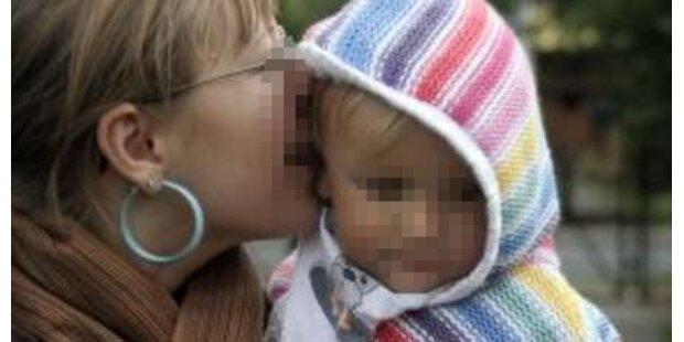 Baby in Großbritannien starb nach Bussi der Mama