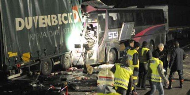 Immer wieder schwere Busunfälle in Ö