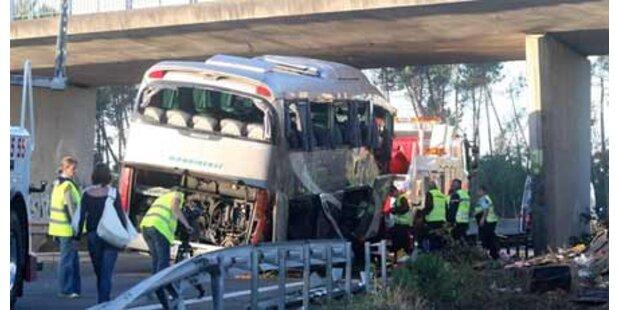 Schweres Busunglück in Frankreich