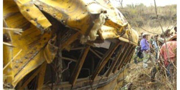 Bis zu 50 Tote bei Busunglück in Uganda