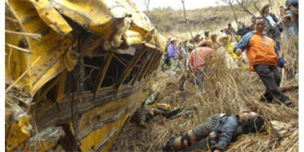 Mindestens 17 Tote bei Busunglück in Südafrika