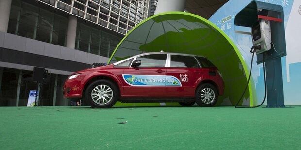Bürger dürfen nur mehr E-Autos kaufen