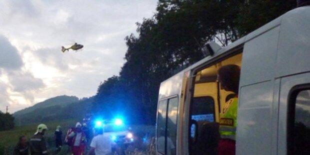 Waldviertel: Wienerin stirbt bei Frontal-Crash