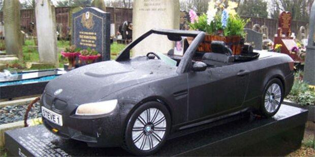 Bestattung very britisch: Ein Cabrio als Grab