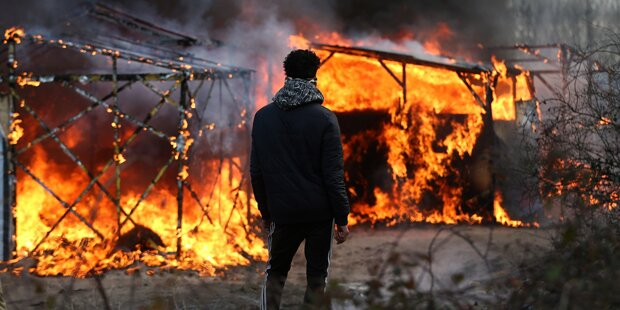 Krawalle in Flüchtlingslager von Calais