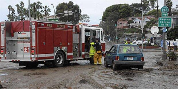 Kalifornien kämpft gegen Hochwasser