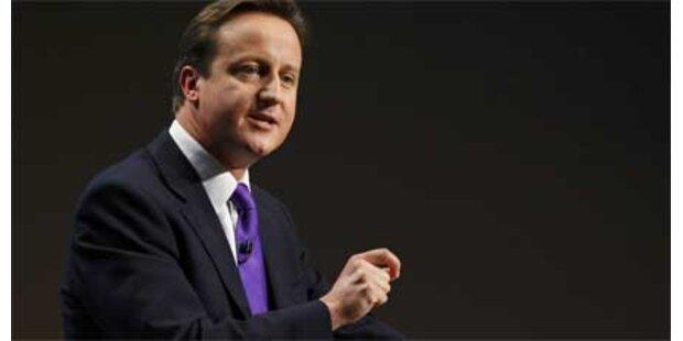 Cameron will Brown enttrohnen