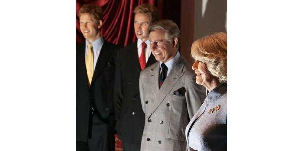 Camilla als Wachsfigur fest im Blick Dianas
