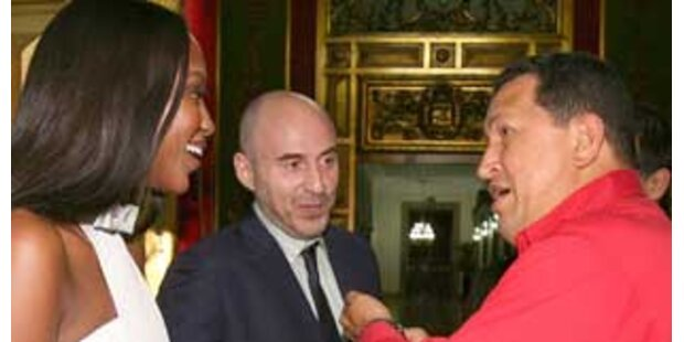 Venezuelas Staatschef Chavez schenkt Naomi Rosen