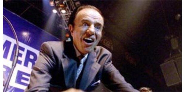 Carlos Menem wegen Waffenschmuggel vor Gericht