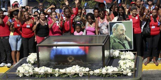 Castro: Urne in Santigo de Cuba eingetroffen
