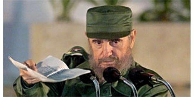 Castro räumt falsches Machtbewusstsein ein