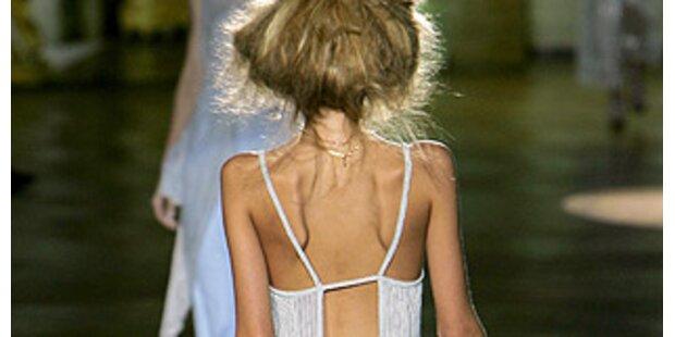 Nach Prada zeigt auch Cavalli Skelett-Models