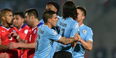 Chile nach Witz-Rot für Cavani weiter