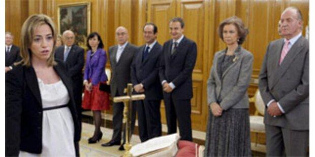 Spaniens Verteidigungsministerin gebar Buben