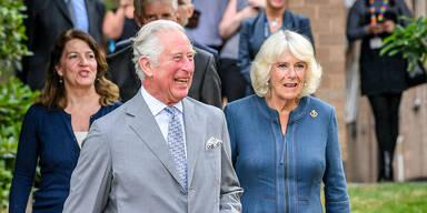 Erster Auftritt seit Erkrankung: Prinz Charles besuchte Krankenhaus