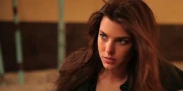 Charlotte Casiraghi modelt für Gucci