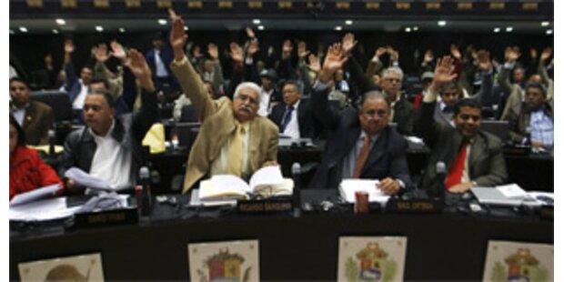 Venezuela ebnet Chavez Weg für Daueramtszeit