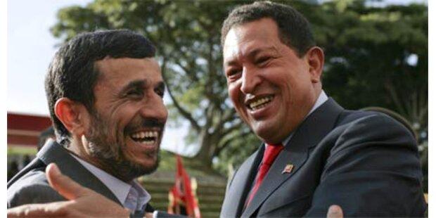 Chávez u. Ahmadinejad sind dicke Freunde