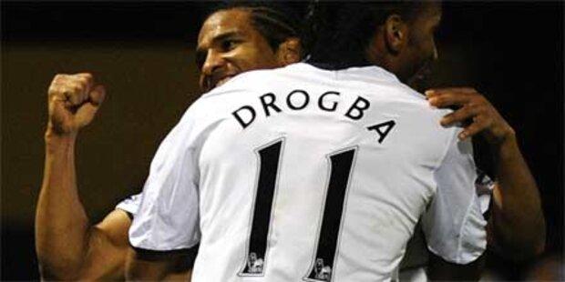 Chelsea bleibt an Manchester dran