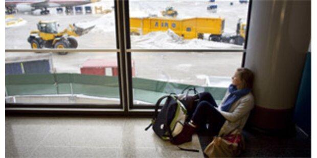 Tausende Fluggäste stranden wegen Schneesturms