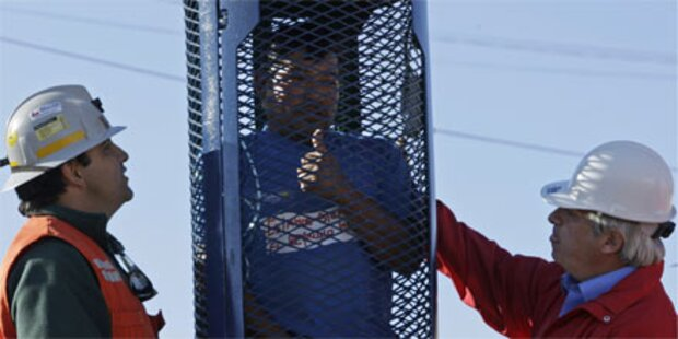 Chile: Erster Rettungskäfig für Kumpel