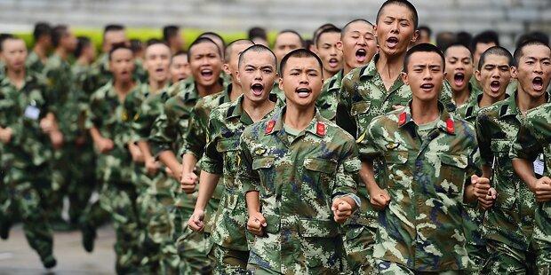 Chinas Rekruten masturbieren zu viel