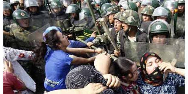Hunderte stürmten chinesische Fabrik