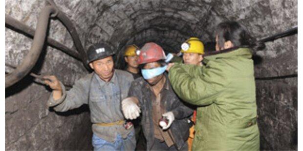 32 Kumpel aus überschwemmtem Bergwerk gerettet
