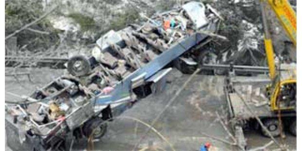 25 Tote bei Busunglück in China