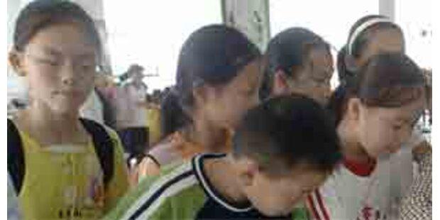 Verwirrter Chinese warf Kinder aus dem Fenster