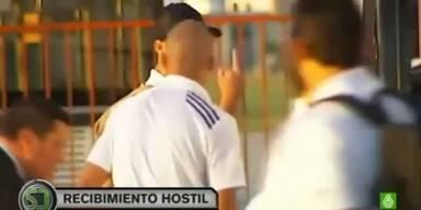 Ronaldo zeigt Fans den Stinkefinger
