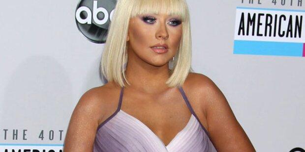 Wuchtbrumme Aguilera: Po sprengte ihre Hose