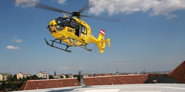 Baustellen-Lift stürzt um: 8 Verletzte