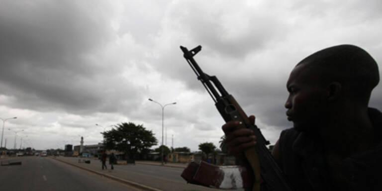 Kämpfer Ouattaras ziehen in Hauptstadt ein