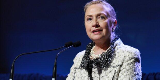 Clinton: Blutgerinnsel hinter dem Ohr