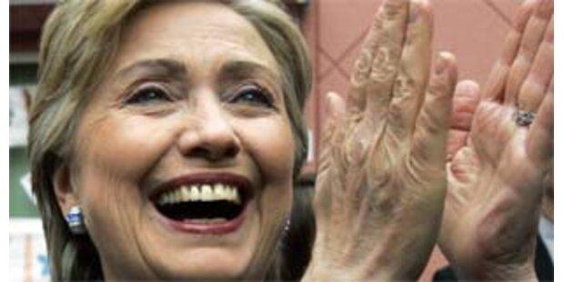 Clinton sieht sich weiter im Rennen