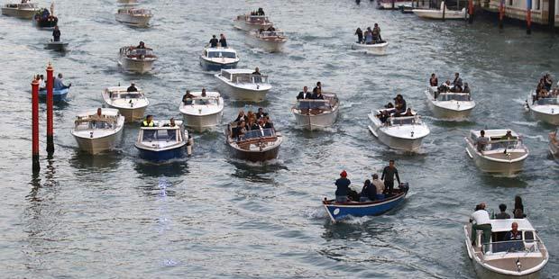 George Clooney und Gäste verlassen das Hotel Cipriani